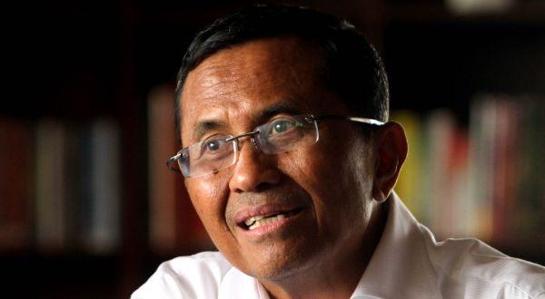 Mantan Menteri BUMN, Dahlan Iskan juga dilaporkan menjalani pengobatan di China.