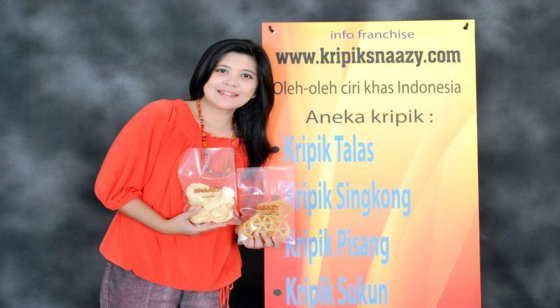 https: img-o.okeinfo.net content 2014 10 31 320 1059539 berkat-keripik-gatot-jadi-jutawan-franchise-3p294D7F8z.jpg