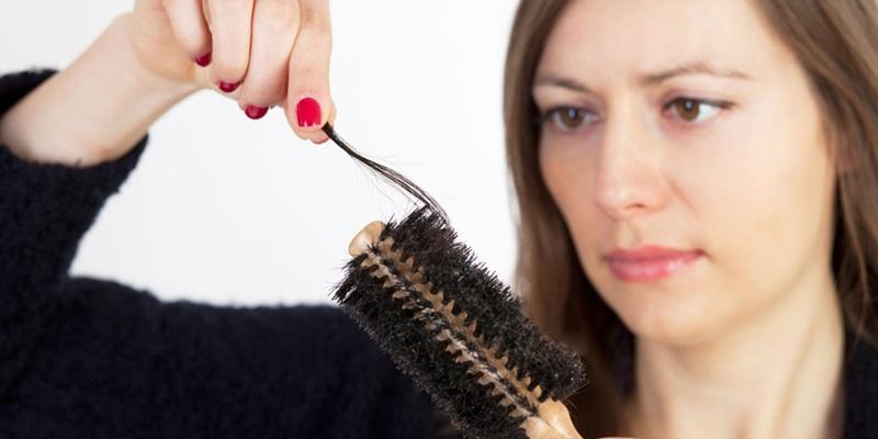 https: img-o.okeinfo.net content 2014 11 11 83 1063884 mengatasi-rambut-rontok-pascamelahirkan-pLCnIxmoe5.jpg