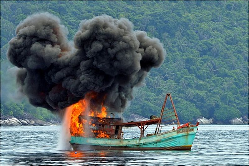 https: img-o.okeinfo.net content 2014 12 10 320 1077248 terapi-kejut-jokowi-bagi-pencuri-ikan-asing-rnKh98DgXU.jpg