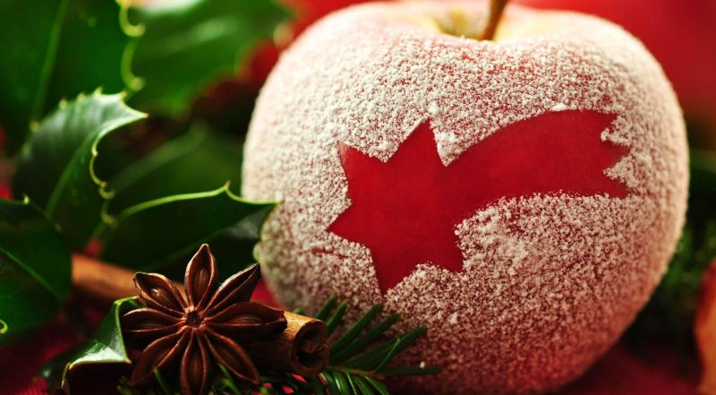 https: img-o.okeinfo.net content 2014 12 12 298 1078275 hidangan-natal-dengan-kreasi-buah-merah-hijau-1hxSqByyDn.jpg