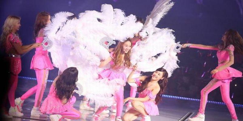 https: img-o.okeinfo.net content 2015 07 15 205 1182567 aksi-aksi-panggung-girlband-korea-paling-memukau-NrpgaUMDOx.jpg
