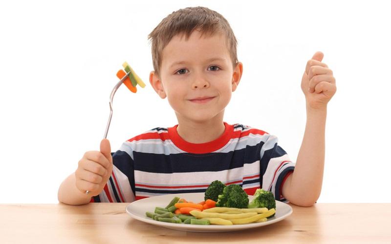 https: img-o.okeinfo.net content 2015 09 08 481 1210543 fenita-arie-biasakan-anak-konsumsi-makanan-sehat-1oS1T5yaFc.jpg