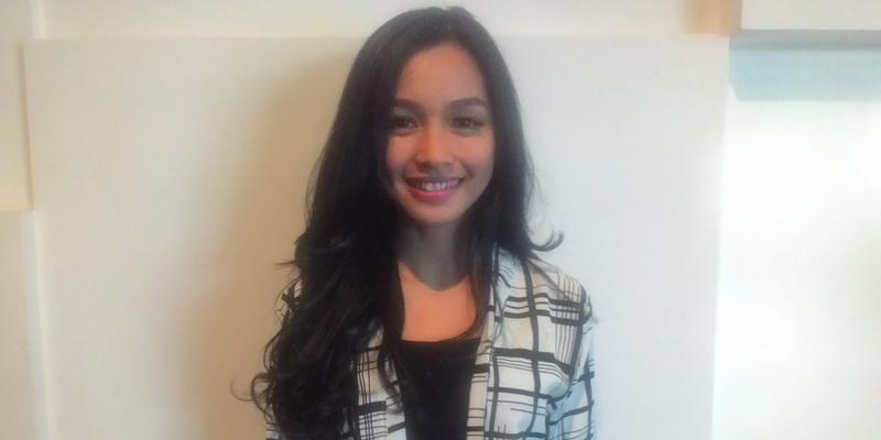 https: img-o.okeinfo.net content 2015 10 21 33 1235720 dinikahi-anak-siti-nurhaliza-tya-arifin-pindah-ke-malaysia-eSPFWldvqj.jpg