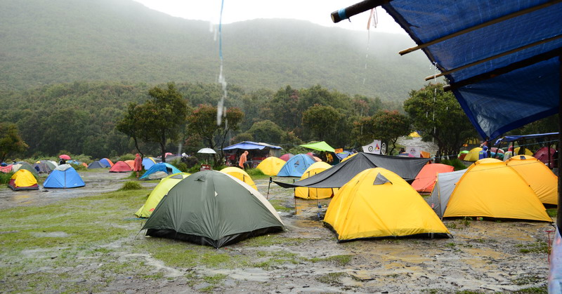 https: img-o.okeinfo.net content 2015 11 05 519 1244203 dua-minggu-lagi-pendakian-gunung-semeru-dibuka-N66kWIMf92.jpg