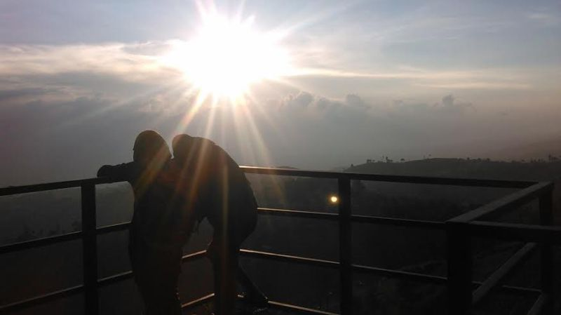 https: img-o.okeinfo.net content 2016 01 08 406 1283482 lihat-sunset-terindah-datangi-saja-bandung-9enfCRGSxe.jpg