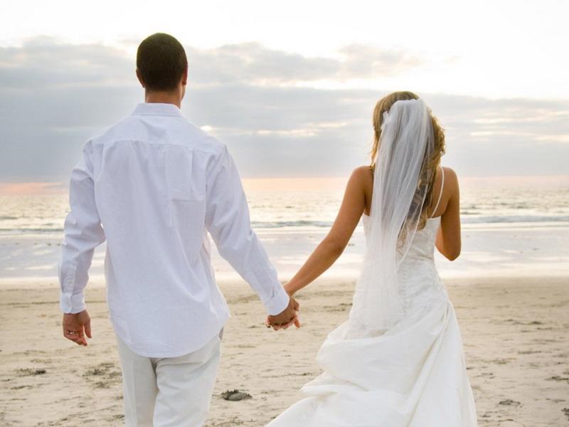https: img-o.okeinfo.net content 2016 01 14 481 1288100 manfaat-menikah-bagi-kesehatan-tulang-tjg6qcMLSX.jpg
