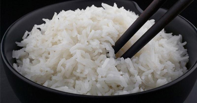 https: img-o.okeinfo.net content 2016 03 02 298 1325877 tips-masak-nasi-yang-putih-alami-VduKDzFca6.jpg