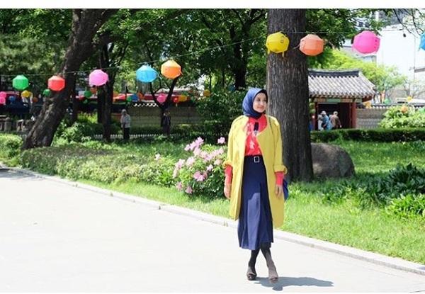 https: img-o.okeinfo.net content 2016 05 18 194 1391326 yuk-intip-gaya-laudya-chintya-bella-di-seoul-6H1Fi3emrY.jpg