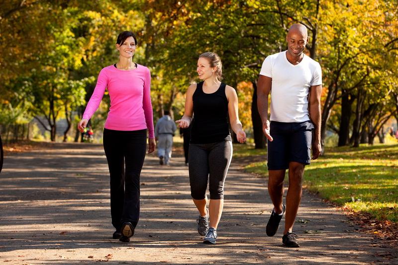 https: img-o.okeinfo.net content 2016 05 18 481 1391304 rutin-berjalan-kaki-cegah-osteoporosis-TkSQ2A3Wii.jpg