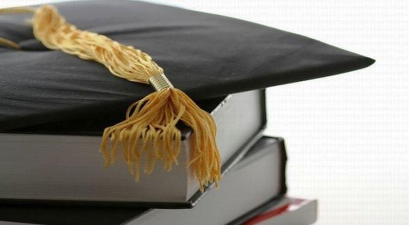 https: img-o.okeinfo.net content 2016 05 21 65 1394318 yuk-raih-beasiswa-di-kampus-inggris-ini-IsmjFhjKpC.jpg