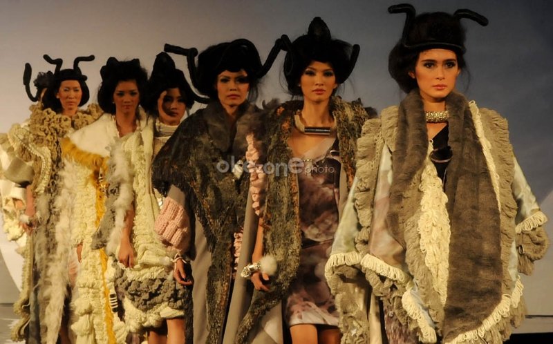 https: img-o.okeinfo.net content 2016 05 25 194 1397374 indonesian-weekend-lirik-model-model-cantik-di-london-bXYKR7m3Gg.jpg