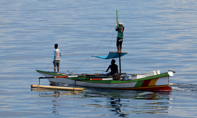 https: img-o.okeinfo.net content 2016 05 25 519 1397641 pantai-direklamasi-nelayan-kesulitan-sandarkan-kapal-UGjniTf09D.jpg