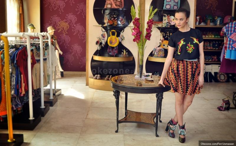 https: img-o.okeinfo.net content 2016 05 26 194 1397870 indonesian-weekend-london-karya-desainer-nusantara-siap-hipnotis-ribuan-turis-KsZFFjo9be.jpg