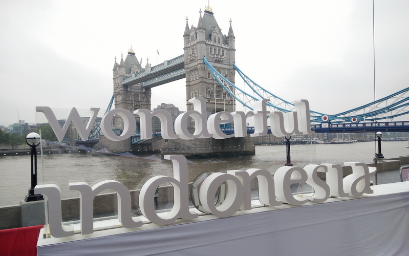 https: img-o.okeinfo.net content 2016 05 28 406 1400213 wow-ada-wonderful-indonesia-di-potters-field-london-VQTwh29eM9.jpg