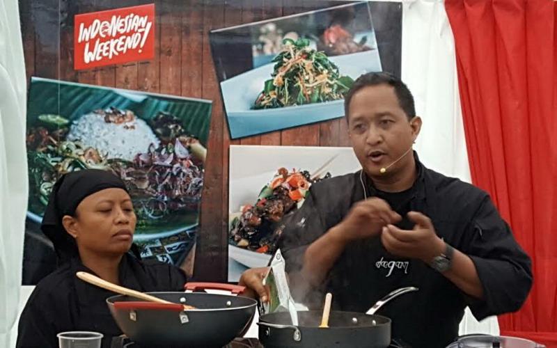 https: img-o.okeinfo.net content 2016 05 31 298 1402621 indonesian-weekend-chef-degan-ajak-turis-dunia-masak-makanan-nusantara-IXaK6mFKQZ.jpg