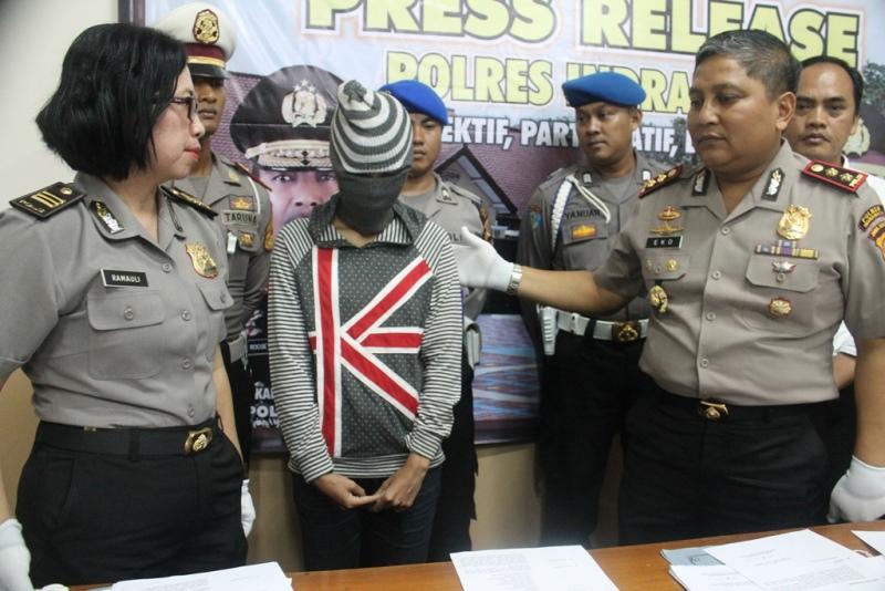 https: img-o.okeinfo.net content 2016 06 02 525 1404120 janda-muda-di-indramayu-ditangkap-saat-transaksi-narkoba-xTZH9095CQ.jpg