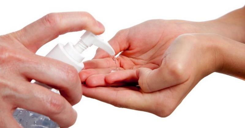 https: img-o.okeinfo.net content 2016 06 24 481 1424510 bahaya-gunakan-hand-sanitizer-bagi-kulit-MSkb9v0OXW.jpg
