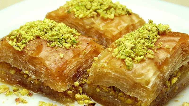 https: img-o.okeinfo.net content 2016 06 26 298 1425394 dessert-khas-arab-pasti-pakai-air-mawar-lG3RMcRJr3.jpg