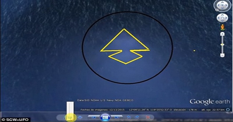 https: img-o.okeinfo.net content 2016 06 30 56 1429628 piramida-raksasa-misterius-terlihat-di-dasar-laut-mhoeaAdyHr.jpg