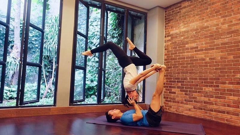 https: img-o.okeinfo.net content 2016 07 14 481 1437656 foto-makna-yoga-bagi-pevita-perace-JTQ2DoJgr8.jpg