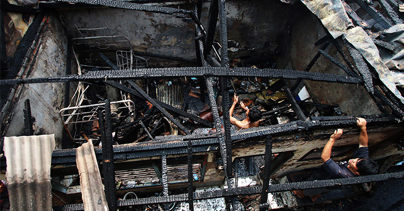 https: img-o.okeinfo.net content 2016 08 01 525 1451623 gas-elpiji-3-kg-bocor-satu-rumah-terbakar-di-bandung-bebOqRUqox.jpg