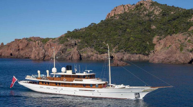 https: img-o.okeinfo.net content 2016 09 15 406 1490402 yacht-milik-penulis-novel-harry-potter-dijual-rp261-miliar-BDheQnPkZY.jpg