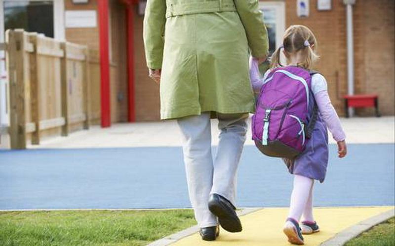 https: img-o.okeinfo.net content 2016 09 16 196 1491473 akibat-paksakan-anak-sekolah-terlalu-dini-bnTqyfjZHy.jpg