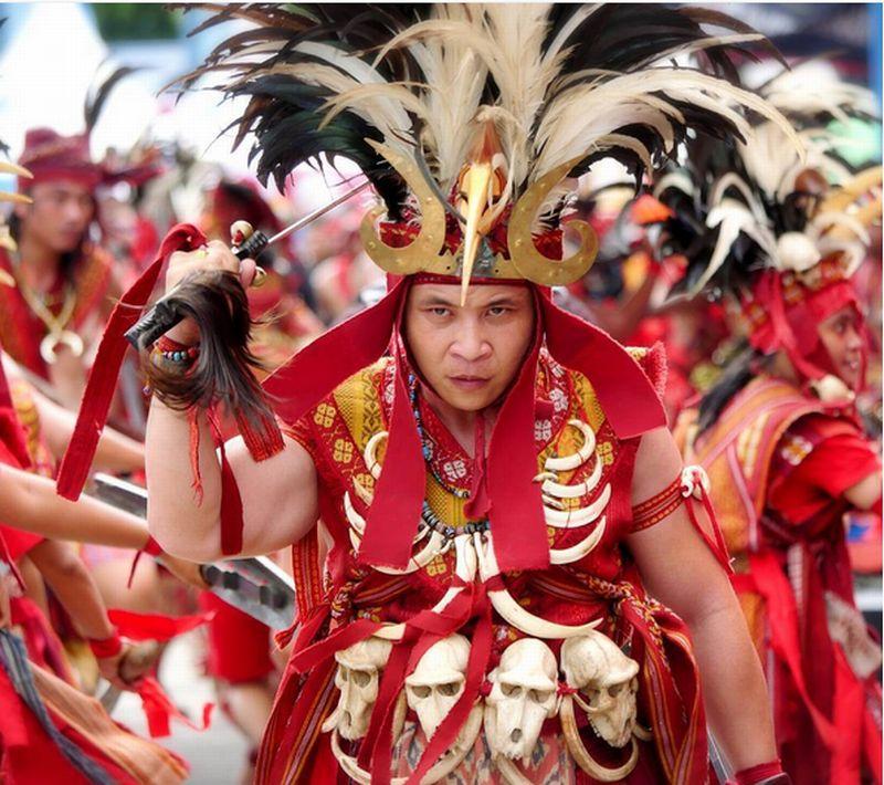 https: img-o.okeinfo.net content 2016 10 07 406 1508614 travel-blogger-ini-kenalkan-pesona-budaya-bitung-via-medsos-bCG9Q8Vymm.jpg