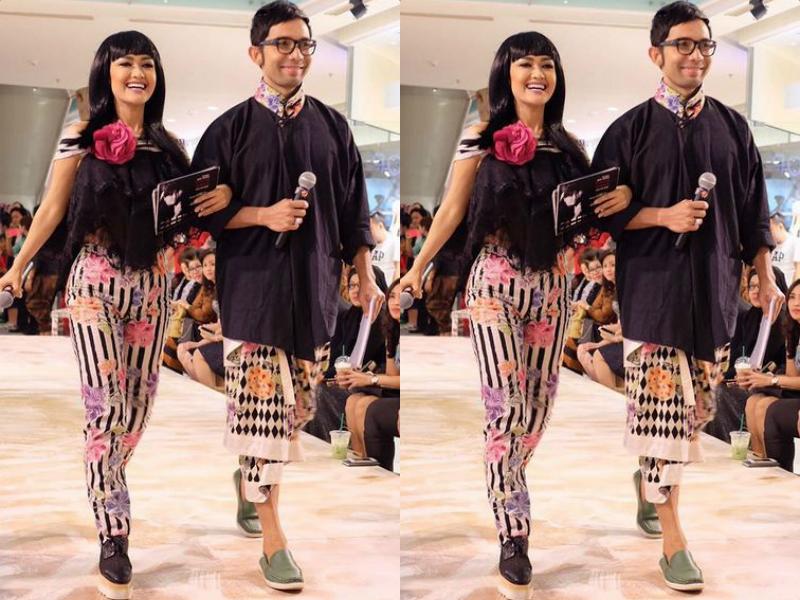 https: img-o.okeinfo.net content 2016 10 08 194 1509771 cara-merawat-batik-ala-indra-herlambang-kTiQS2kwOw.jpg