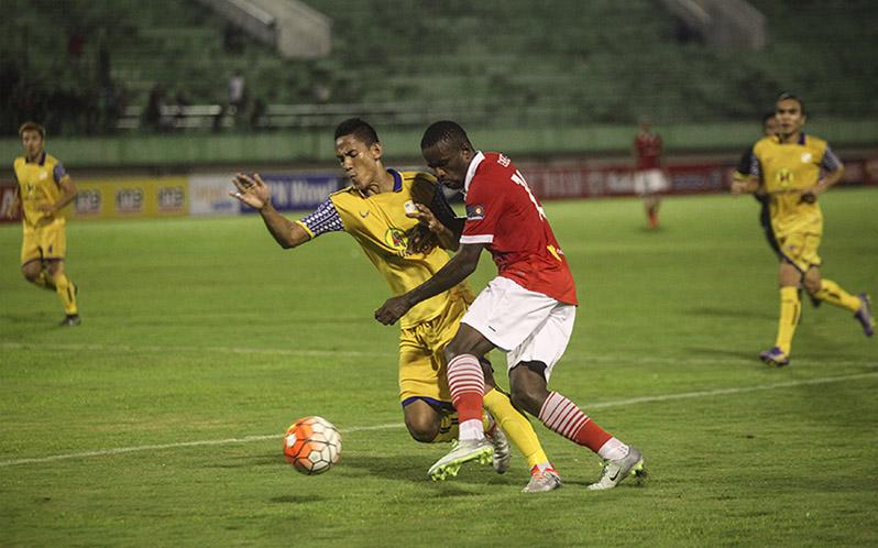 https: img-o.okeinfo.net content 2016 10 14 49 1514638 2-tahun-jokowi-jk-indonesia-tanpa-kompetisi-sepakbola-resmi-NNfjecHh4Y.jpg