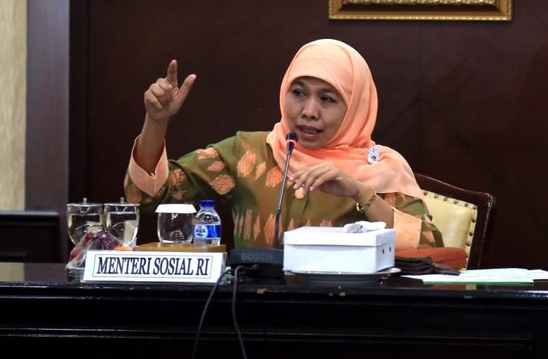 https: img-o.okeinfo.net content 2016 10 17 337 1517138 mensos-apresiasi-inisiasi-mnc-group-atas-penganugerahan-pahlawan-untuk-indonesia-KljOXji3Bw.jpg