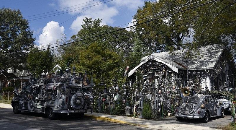 https img o okeinfo net content 2016 10 17 470 1517180 rumah unik ini dihiasi barang rongsokan dari logam kg5HfxSNzo jpg