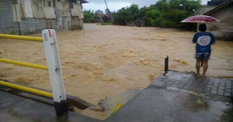 https: img-o.okeinfo.net content 2016 10 30 525 1528129 baleendah-bandung-dan-empat-kecamatan-lainnya-direndam-banjir-fBsYZfKi47.jpg