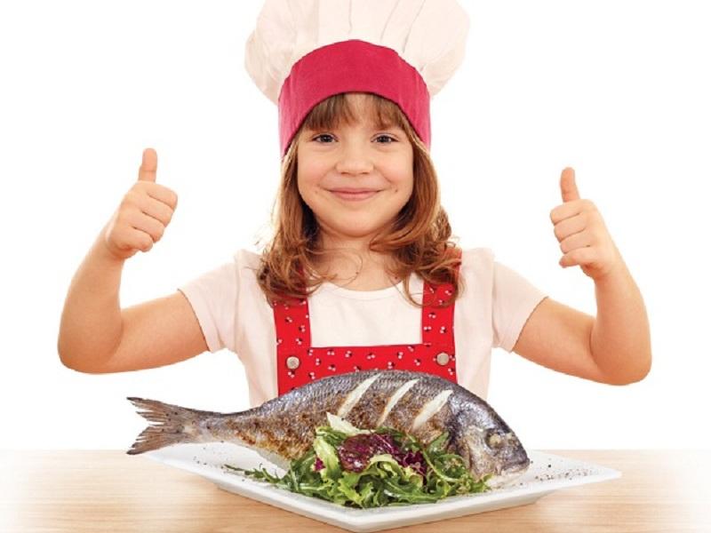 https: img-o.okeinfo.net content 2016 11 03 481 1531917 makan-ikan-kurangi-risiko-alergi-pada-anak-lho-SIIn1uYDN7.jpg