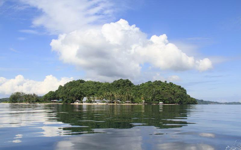 Habiskan Liburan dengan Berkunjung Pulau Nusa Ra