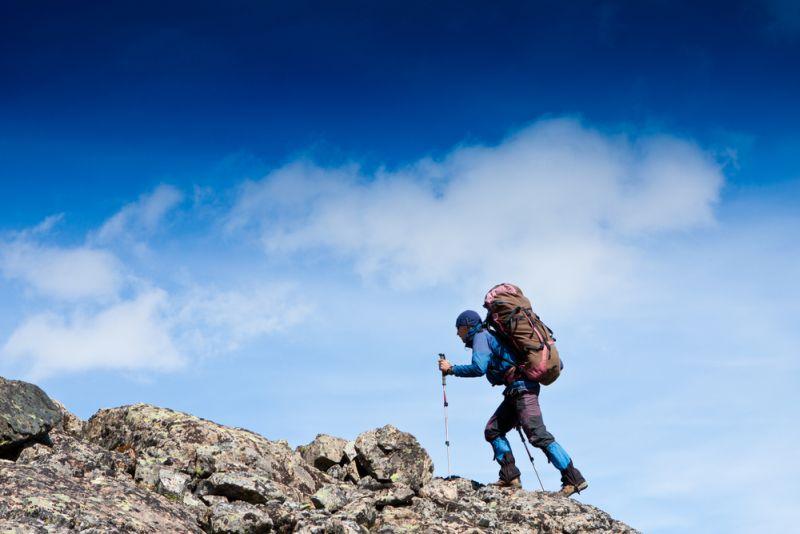 https: img o.okeinfo.net content 2016 12 01 406 1556158 selain jaket dan sleeping bag ini barang pribadi wajib untuk naik gunung gAUYC2sJzN.jpg