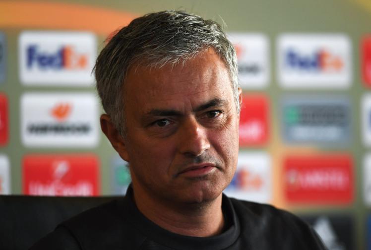 https: img-o.okeinfo.net content 2016 12 01 45 1556367 neville-sepakbola-mourinho-lebih-baik-daripada-van-gaal-SSG6Lg5nNy.jpg