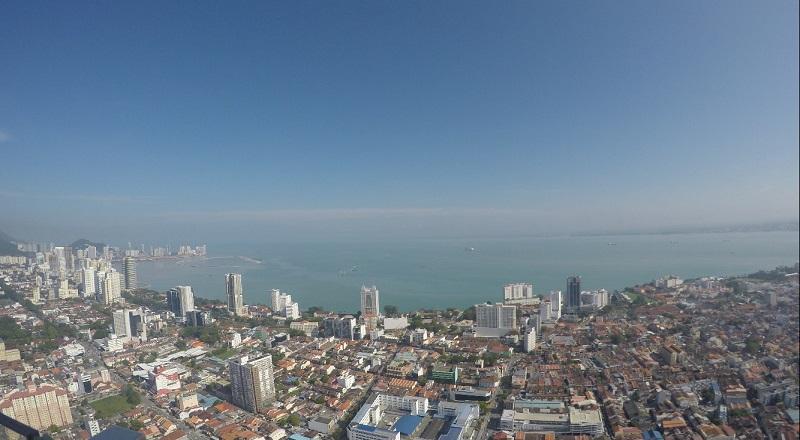 https: img-o.okeinfo.net content 2016 12 22 470 1573643 skywalk-pelangi-tertinggi-di-malaysia-FKT0OqWhe6.jpg
