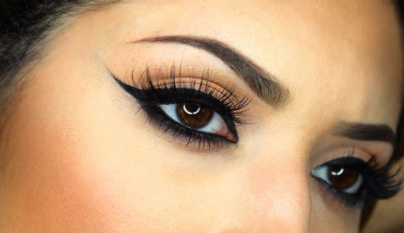 https: img-o.okeinfo.net content 2017 01 04 194 1582957 beauty-update-membuat-winged-eyeliner-lebih-mudah-dengan-stamp-liner-tnXRsiFTto.jpg