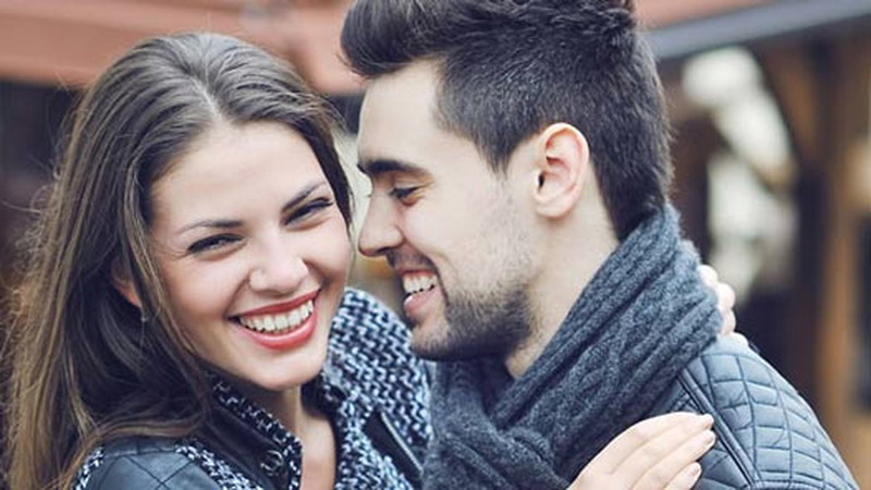 https: img o.okeinfo.net content 2017 01 09 196 1587006 4 bahasa tubuh pria pertanda jelas sedang jatuh cinta H6FI3I8rRu.jpg