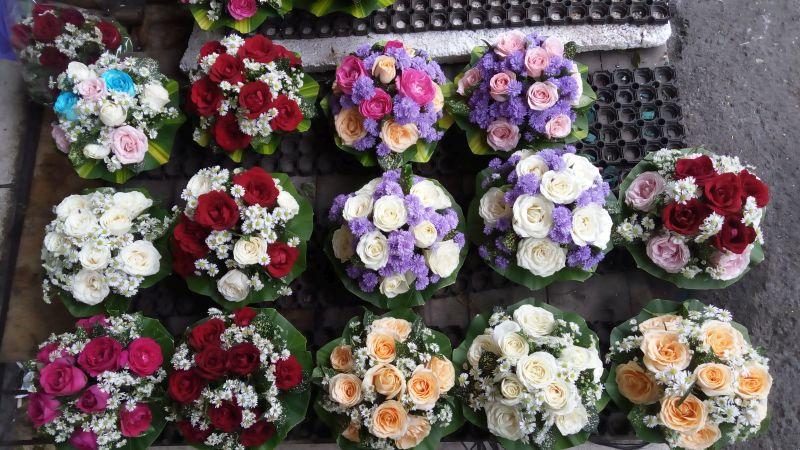 https img o.okeinfo.net content 2017 02 12 406 1616390 valentine 2017 pasar bunga rawa belong tawarkan berbagai pilihan hadiah romantis LIT6MfK9Fj.jpg