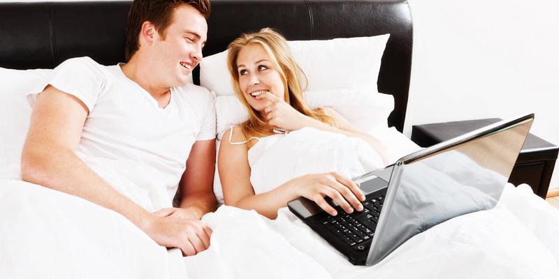 https: img-o.okeinfo.net content 2017 02 20 196 1623344 pandangan-lain-tentang-pornografi-ketika-pasutri-menonton-bersama-VwlsCNh2bB.jpg