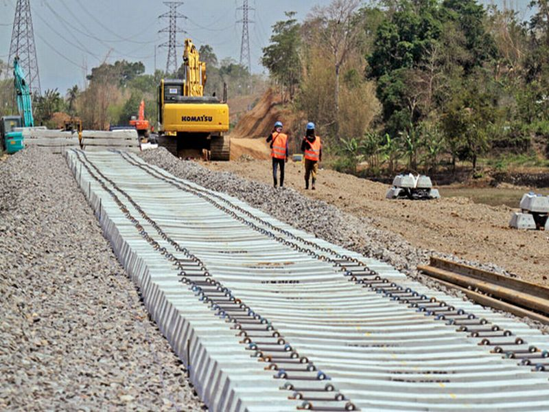 https: img-o.okeinfo.net content 2017 03 07 320 1636065 kereta-api-trans-sulawesi-beroperasi-april-2018-PsTCGHDArt.jpg