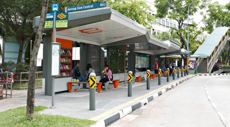 https: img-o.okeinfo.net content 2017 03 09 406 1638676 wow-halte-bus-di-singapura-dilengkapi-wi-fi-dan-perpustakaan-SByiRv9pi6.jpg