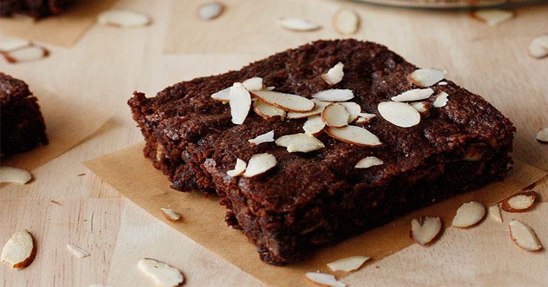 https: img-o.okeinfo.net content 2017 03 10 320 1639508 inspirasi-bisnis-manisnya-brownies-amanda-berawal-dari-usaha-rumahan-CXRRxWAerb.jpg