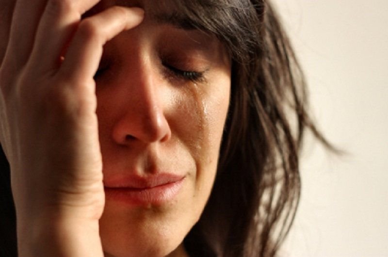 https: img-o.okeinfo.net content 2017 03 20 481 1647143 sering-menangis-awas-bisa-jadi-gejala-awal-depresi-McpaQ2hRNK.jpg