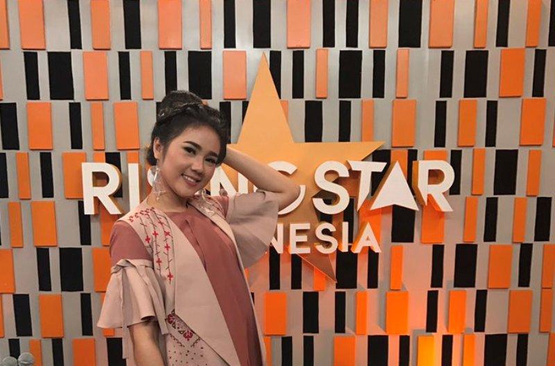 https: img-o.okeinfo.net content 2017 03 21 598 1647798 rising-star-indonesia-fauziyah-raih-skor-tertinggi-fazrun-dipastikan-pulang-OVneX9gsJw.jpg