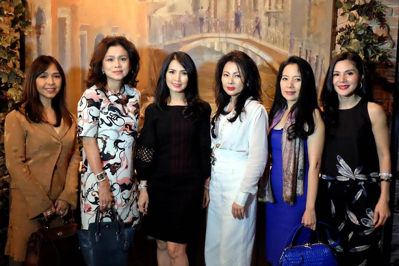 https: img-o.okeinfo.net content 2017 03 22 194 1649455 antusias-para-readers-hingga-miss-indonesia-2016-ikuti-tutorial-lipstik-di-high-tea-with-highend-nPtIhM4YWL.jpg