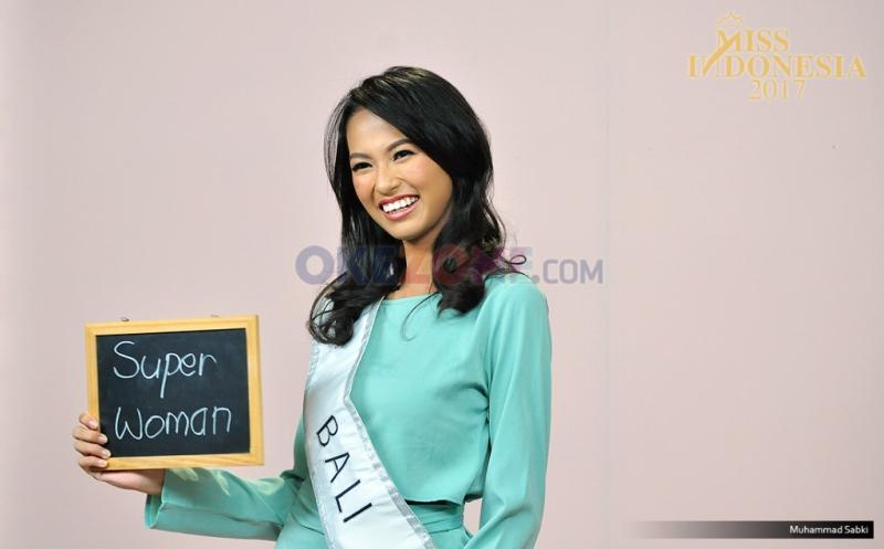 https: img-o.okeinfo.net content 2017 04 14 194 1667964 miss-indonesia-2017-berlian-audya-parimayuna-dari-bali-fhHDEJGwhG.jpg
